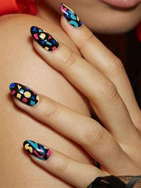 E incluso si las prefieres cortas, también puedes hacerles diseños encantadores. Decoración de uñas 2021 - Moda Top Online