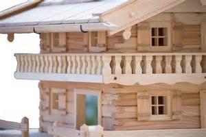 vogelhaus balkon vogelhaus im bauernhaus stil mit großem balkon