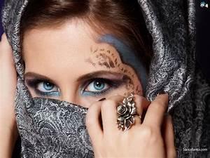 Arab Women in Hijab Wallpaper #25