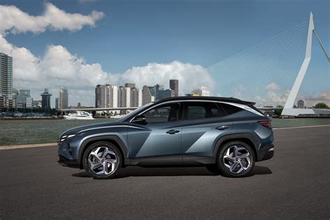 hyundai tucson  rendered  rival hot crossovers