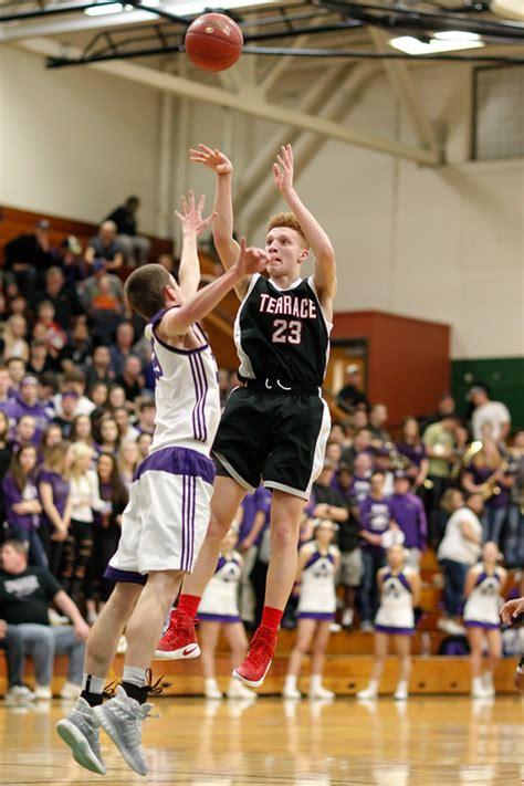 prep boys basketball hawks lose  anacortes