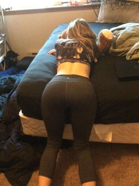 College Girls Flashing Party