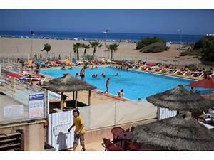 vacances camping bleu marine campings serignan With camping en france avec piscine couverte 13 camping sud de la france le serignan plage