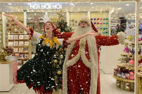 store s christmas shopping season already under way with