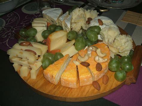 plateau pour canap idee de presentation plateau de fromage 3 peneloppe ou
