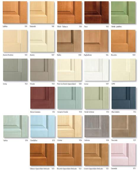 mobili di legno colori e finiture dei letti in legno massello di scandola
