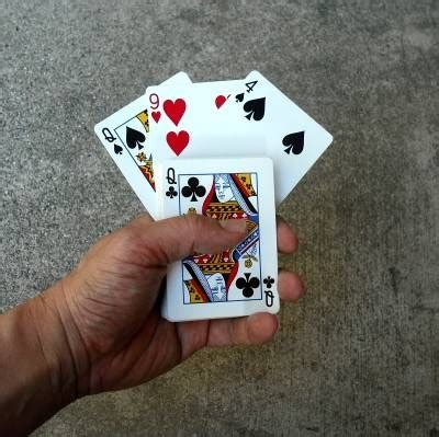 Card tricks are the most popular form of magic tricks, and for good reason. Find a Card Easy Magic Trick for Beginners | Magic card tricks, Easy card tricks, Magic tricks ...