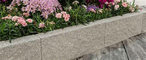 cordoli in pietra per giardini cordoli per aiuole e isole verdi le soluzioni m v b