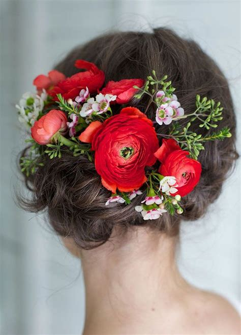 romantic wedding hairstyles  flower crown diy