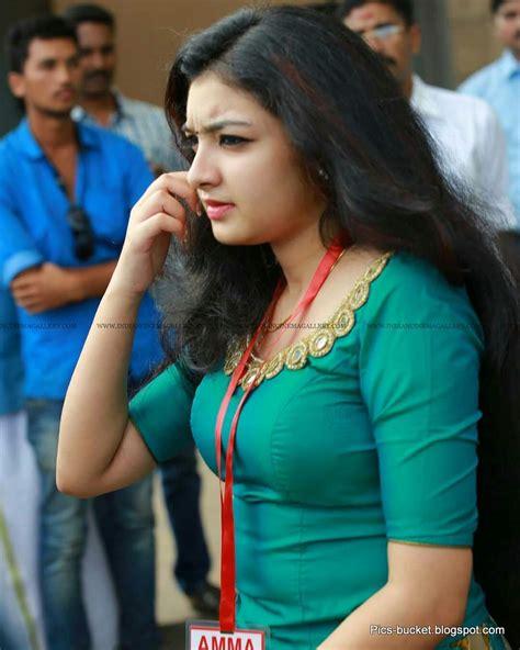 beautiful malayalam actress hot   wallpapers