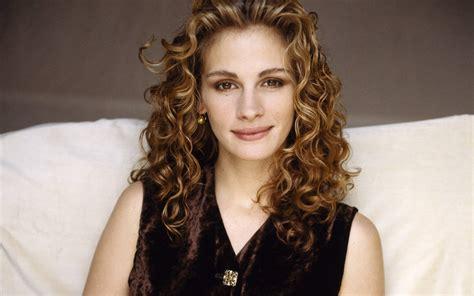 how old is actress julia roberts julia roberts photos walls buzz