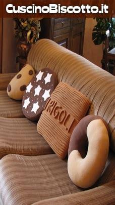 cuscini forma di biscotto concorso abbracci mulino bianco e i biscotti diventano un