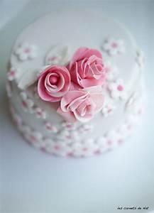 gateaux pate a sucre fille With chambre bébé design avec fleurs en pate à sucre