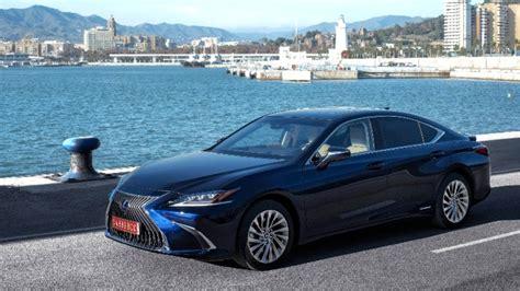 Lexus Is300h 2020 by 2020 Lexus Es 300h Seventh Generation Mid Size Sedan