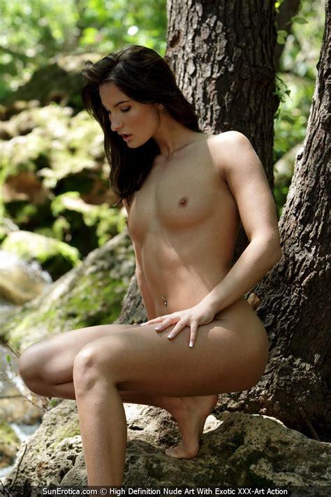 Marion Nude Outdoors By Sun Erotica Photos Erotic Beauties