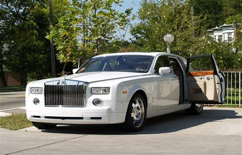 Philadelphia Limo Service by Shuttle And Minibus Rental Escalade And Hummer Limo