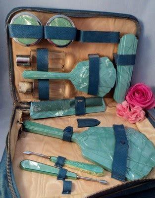 Vintage Set Af 1000 images about vintage vanity sets on