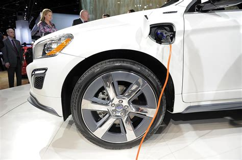 volvo    electric starting   eye   arctic