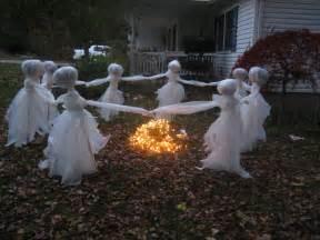 DIY Halloween Trash Bag Ghost Decorations