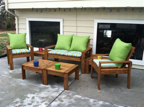 simple outdoor conversation set    home