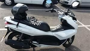 Honda 125 Pcx : stolen honda pcx 125 white ~ Medecine-chirurgie-esthetiques.com Avis de Voitures