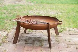 Feuerschale Für Garten : feuerschale im garten das gartenmagazin ~ Markanthonyermac.com Haus und Dekorationen
