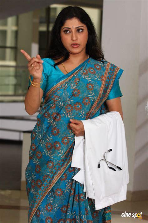 Lekshmi Gopalaswamy In Saree Photos 3