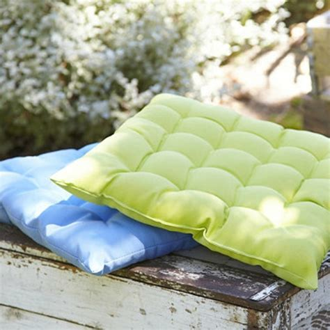 coussin pour chaise de jardin le coussin pour chaise du jardin archzine fr