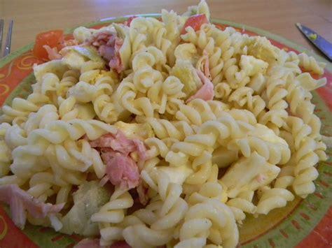 recette de pate froide en salade salade de p 226 te au jambon recettes by chouchou