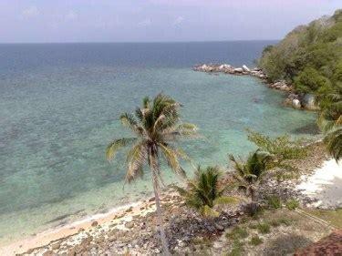 wisata pulau lengkuas belitung bali backpacker