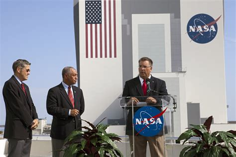 NASA Announces Winners in Commercial Crew Funding; Which ...