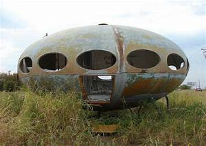 Futuro House: Abandoned Home or Crashed Flying Saucer?