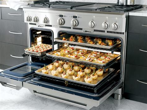 cooking   ge monogram dual fuel professional range   monogram experience center cozy