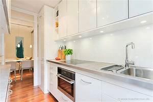 Küche Weiß Hochglanz : kleine kueche rueckwand weiss kunststoff hochglanz m ~ Watch28wear.com Haus und Dekorationen