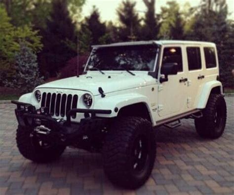white jeep creamy dream lifted white jeep wagons pinterest