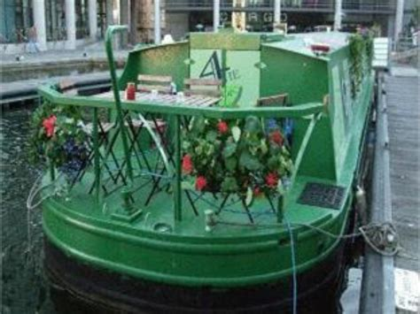 Houseboat Edinburgh by Best Price On The Four Boatel Houseboat In