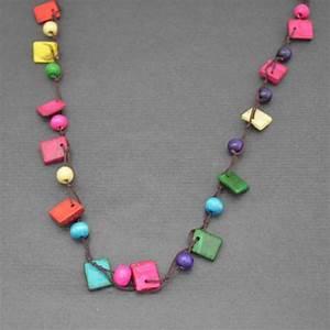 collier fantaisie quotafrica 1quot en perles de bois With collier fantaisie pas cher
