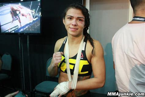 claudia gadelha s finger injury pushes joanna jedrzejczyk title rematch to 2016 mma junkie