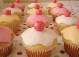 Cupcakes images Cute cupcakes wallpaper and background ...