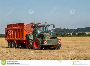 Fendt Traktor Preise : moderner fendt traktor der orange anh nger zieht ~ Kayakingforconservation.com Haus und Dekorationen