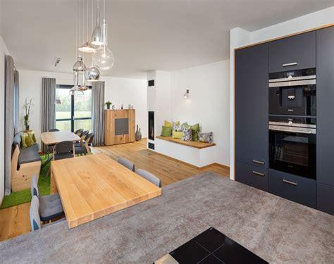 Offene Küchen Mit Kochinsel by Kchen Mit Kochinsel Und Esstisch Homeautodesign