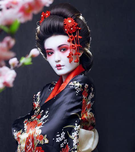 geisha makeup heres