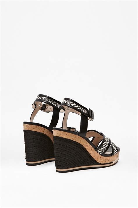Wedges Connexion Ycw79 connection lata wedges heels sandals in black lyst