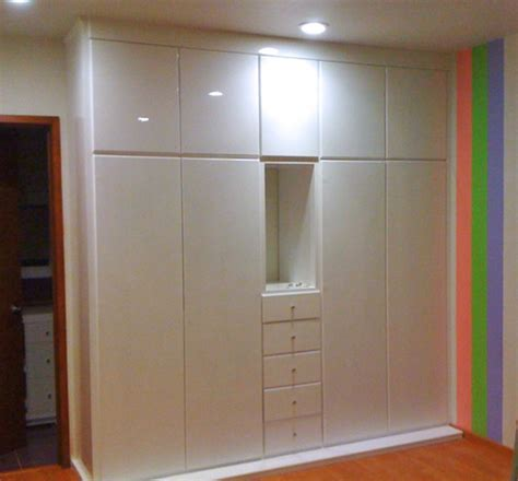 foto closet blanco  nicho de cocinas  closets del