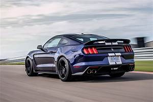Ford Mustang Shelby Gt350 : ford upgrades mustang shelby gt350 for 2019 automobile magazine ~ Medecine-chirurgie-esthetiques.com Avis de Voitures