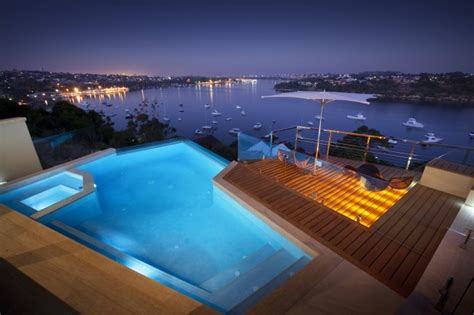 piscine terrasse bois eclairage indirect