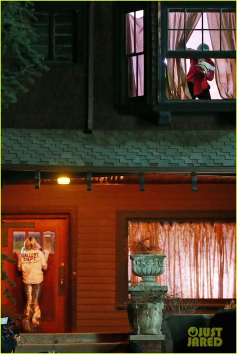 margot robbie films harley quinn joker breakup scene