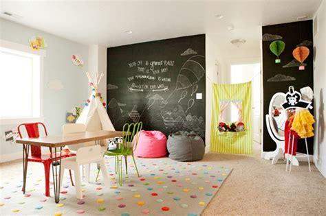 10 Friendly & Fun Kids Playrooms