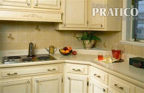 moulure cuisine moulures sur les armoires de cuisine cuisine avant