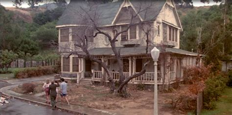 The Burbs Movie House Tour Starring Tom Hanks And Carrie